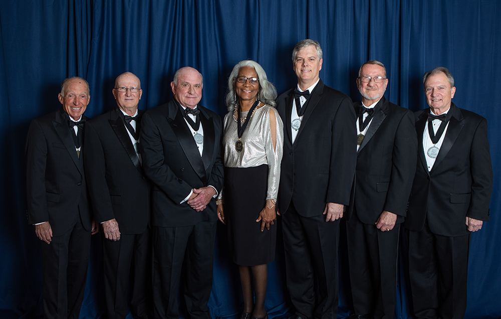 "USA National Alumni Association honored alumni and supporters at the 16th annual Distinguished 校友 & Service Awards. Those recognized were, from left, William J. ""Happy"" Fulford III, Dr. Joseph F. Busta Jr., Brian J. Cuccias, Merceria Ludgood, John T. Crowder Jr., William B. Burnsed Jr. and James J. ""Jake"" Gosa."